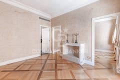 Two-bedroom Apartment of 125m² in Via Lutezia