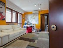 Two-bedroom Apartment of 90m² in Via Maurizio Pagliano