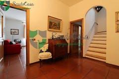 Three-bedroom Apartment of 180m² in Via San Gervasio 11