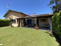 Two-bedroom Villa of 117m² in Via Alessandro Rolla