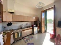 Three-bedroom Apartment of 85m² in Via de Cadolingi