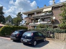 Three-bedroom Apartment of 120m² in Via Casilina