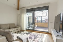 Multi-bedroom Villa of 235m² in Via Paolo Maria Martinez 3
