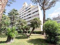 Two-bedroom Apartment of 90m² in Viale degli Eroi di Rodi