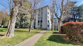 Three-bedroom Apartment of 120m² in Via Vittorio Barzoni 4