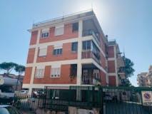 Two-bedroom Apartment of 85m² in Via Di Val Favara
