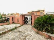 Villa di 305m² in Via Mormanno