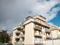 Two-bedroom Apartment of 75m² in Via dell'Aquila Reale