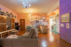 Two-bedroom Apartment of 90m² in Via Luigi Bertelli 26