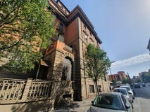 Four-bedroom Apartment of 171m² in Viale Xxi Aprile