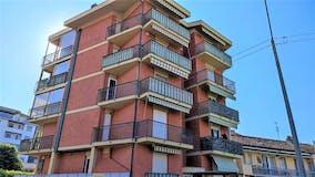Two-bedroom Apartment of 77m² in Via Segantini 30