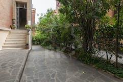 Two-bedroom Apartment of 85m² in Via Agnesi