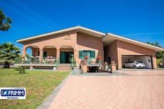 Villa di 360m² in Via Ernesto Boezi