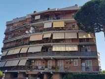 Bilocale di 60m² in Via Decio Azzolino