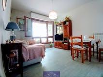 Two-bedroom Apartment of 75m² in Via Pistoiese
