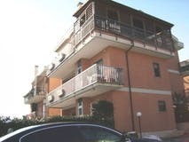Two-bedroom Apartment of 80m² in Via Cittareale