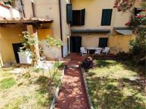 Two-bedroom Apartment of 115m² in Via Madonna della Querce 15
