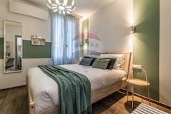 Three-bedroom Apartment of 69m² in Via Camillo Procaccini 22