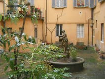 Two-bedroom Apartment of 95m² in Via Santo Stefano