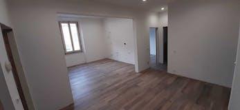 Three-bedroom Apartment of 95m² in Via Vincenzo Cuoco