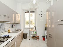 Two-bedroom Apartment of 112m² in Via Eustachio Manfredi