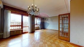 Quadrilocale di 145m² in Corso Monte Cucco 131