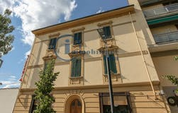 Two-bedroom Apartment of 100m² in Via Aretina