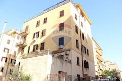 Two-bedroom Apartment of 85m² in Via degli Abeti