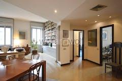 Three-bedroom Apartment of 161m² in Via Privata Cesare Battisti 2