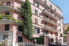 One-bedroom Apartment of 52m² in Via Gualtiero Castellini 24