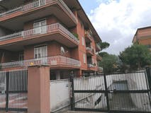 Two-bedroom Apartment of 85m² in Via Dionisio