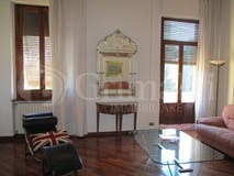 Three-bedroom Apartment of 138m² in Lungarno Colombo