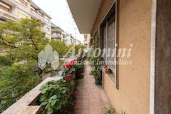 Four-bedroom Apartment of 180m² in Via di Tor Fiorenza
