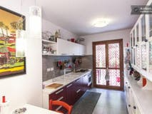 Two-bedroom Apartment of 120m² in Via Saronno