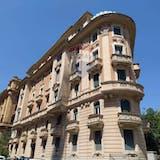 Multi-bedroom Apartment of 255m² in Via Vincenzo Bellini 10