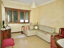 Two-bedroom Apartment of 94m² in Via Pescaglia