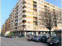 Two-bedroom Apartment of 100m² in Viale Agosta