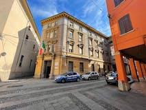 Four-bedroom Apartment of 125m² in Via Del Pratello