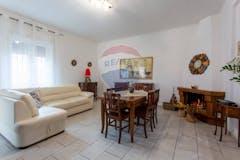 Two-bedroom Apartment of 107m² in Via Alberobello 92