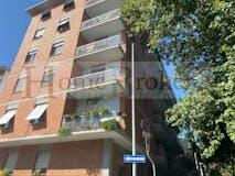 Three-bedroom Apartment of 120m² in Via Del Campo Di Marte 6