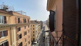 Multi-bedroom Apartment of 145m² in Via Castelfidardo 31