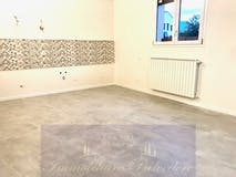 Three-bedroom Apartment of 95m² in Via delle Panche