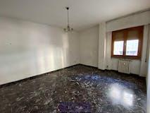 Three-bedroom Apartment of 90m² in Via F. Balducci Pegolotti