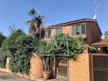 Villa di 158m² in Via Pietro Romani 170