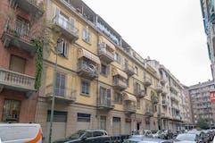 Plurilocale di 120m² in Via Lombriasco 6