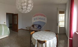 Two-bedroom Apartment of 150m² in Via Flaminia 1851