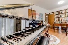 Four-bedroom Apartment of 271m² in Largo Strindberg 47