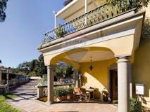 Multi-bedroom House of 480m² in Via del Casale di S. Pio V