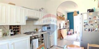 Three-bedroom Apartment of 121m² in Via Barbania 6