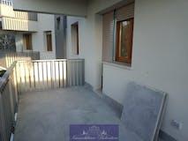 Three-bedroom Apartment of 90m² in Viale Malta